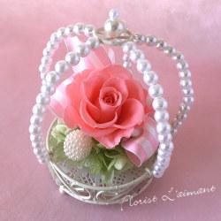 友達への誕生日祝いのプリザーブドフラワー 人気2位  パールクラウン(ピンク)