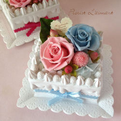フラワーケーキ<スクエアケーキ(ブルー)>