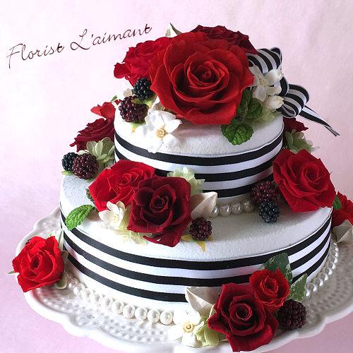 深紅の薔薇を豪華にあしらったスペシャルケーキ|ラヴィアンローズ(レッド)